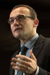 Greens MP Adam Bandt says companies should pollute less as they produce more.