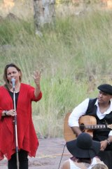 Songs in the Gorge: Gina Williams and Guy Ghouse.
