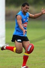 Karmichael Hunt training for Gold Coast.