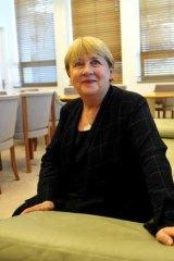Senior Labor MP Jenny Macklin has backed Anthony Albanese to be Labor's next leader.