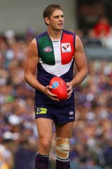 Fremantle ruckman Aaron Sandilands has been given the all-clear for his club's clash against Geelong this weekend.