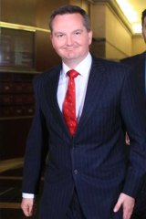 """Chris Bowen says the government will examine a """"circuit breaker"""" offshore processing bill from independent MP Rob Oakeshott."""