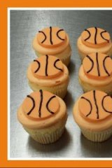 Erindale Cakery Bakery has celebrated Patty Mills winning an NBA title with basketball cupcakes.