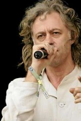 Sir Bob Geldof has taken Australian leaders to task over cuts to foreign aid.