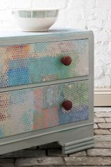 Klee-coloured chest of drawers with dots.