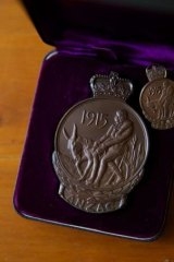 """Maurice John """"Jack"""" Pickrell's ANZAC service medal, issued to him in 1968."""