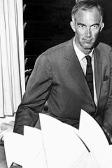Joern Utzon with a model of the Sydney Opera House in 1966.