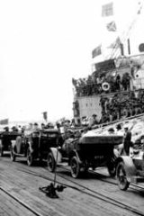 Home: Image from <i>Shellshocked Australia</i>, above, shows soldiers disembarking from a troopship at Port Melbourne in 1919.