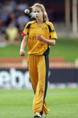 Ellyse Perry .. has represented Australia at both cricket and soccer.