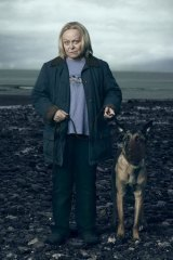 Sinister: Jacki Weaver as Susan in <i>Gracepoint</i>.