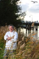Chef Stefano Di Pieri on the banks of the Murray River in Mildura says NSW must follow Victoria's lead and create a national park and stop logging of Murray River red gums.