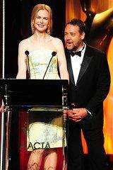 Nicole Kidman shares the stage with Crowe.