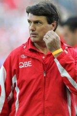 Paul Roos has agreed to mentor Ken Hinkley if he gets the Geelong coaching job.