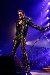 """Dude: The last concert Simon saw was Queen with Adam Lambert – """"He's got a freakishly great voice."""""""