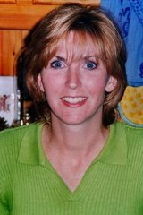 Jane Thurgood-Dove: Gunned down in 1997 in her Niddrie driveway in front of her three children. Case still open.
