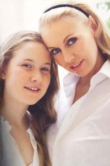 Sharl-Lea Hitchcock with their daughter, Paula. <i> Picture courtesy Australian Women's Weekly</i>