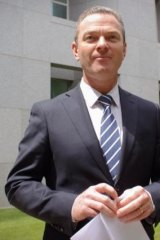 Christopher Pyne has endorsed the idea of allowing universities to compete on price.