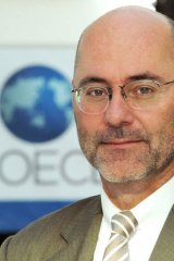 Swiss ambassador to the OECD, Stefan Flueckiger, who was arrested early on June 3, 2013 in Paris for drink driving after a high-speed chase in which police shot out one of the tyres on his car.