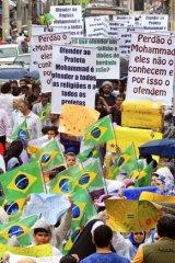 Brazilian Muslims march in protest against <em>The Innocence of Muslims</em> film.