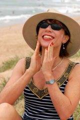 Kathy Lette.