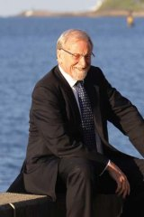 Lack of political will to eliminate nuclear threats: Professor Gareth Evans.