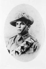 Studio portrait of Trooper Horace Thomas Dalton, 11th Light Horse Regiment.