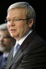PM Kevin Rudd gives broadband plan the green light.