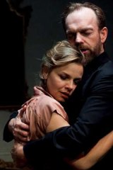 Justine Clarke and Hugo Weaving in <em>Les Liaisons Dangereuses</em>.
