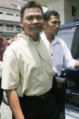 Captain Marwoto Komar (left), the pilot of a Garuda Indonesia aircraft that crashed at Yogyakarta airport in 2007.