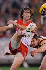 Now a Hawk: Matt Spangher playing for Sydney in the finals against hawthorn, 2011.