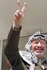 Conspiracy theories around the death of Palestinian leader Yasser Arafat have resurfaced.