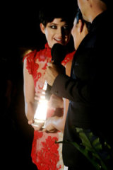 Megan Washington accepts the 2010 Best Female Artist ARIA award.