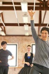 Li Cunxin leads by example.