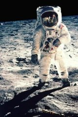 Which mission successfully landed Buzz Aldrin and Neil Armstrong on the surface of the moon?