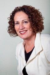 Dr Helen Szoke
