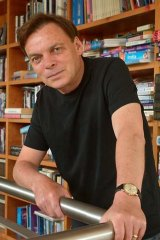 Author Graeme Simsion.