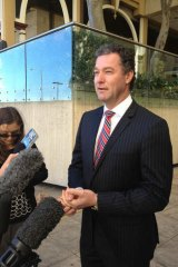 Queensland Education Minister John-Paul Langbroek says the state will sign up to the federal government's education reforms if it is offered the same deal which has been struck with Victoria.
