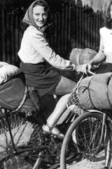 On the road ... Wendy Law, left, and Shirley Duncan, who cycled around Australia in the 1940s.