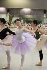 Artists of The Australian Ballet in <i>La Bayadere</i>.