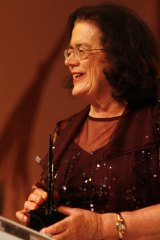 Michelle Grattan receives a Walkley Award for journalistic leadership in 2006.