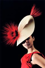 Steph Shreeve wears parisisal straw sculpted leaf hat by Liza Stedman, winner of the Myer Fashions on the Field millinery award.