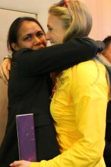 Golden girls … Sally Pearson with Cathy Freeman.
