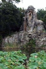 The melancholy guardian Appennino.