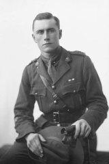 Lieutenant Irvine Barton born in Ipswich, Queensland.