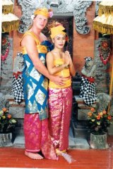 Colourful characters … Cade Dallas and Veny Amelia in Bali on their wedding day in 2002.