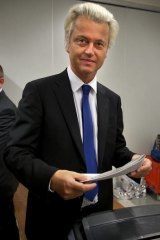 Delayed decision ... Geert Wilders will be given a visa to speak in Australia.