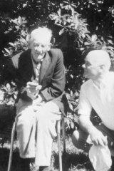 Wilfred Collinson and his son Albert at Bundoora Repatriation Hospital, 1970.