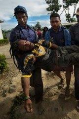 Tari life: A man injured after fighting.