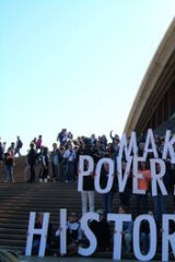 Young Australians rallied as part of the Make Poverty History campaign.