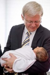 Kevin Rudd visits a hospital in March 2010.